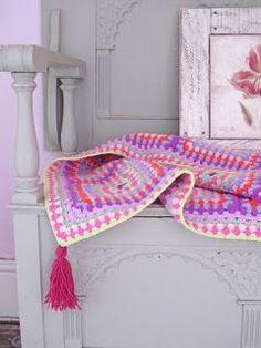 Plum Tassel Blanket
