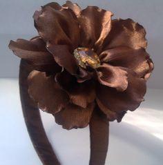 Цветок из ленты своими руками Flower Ribbon with their hands