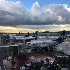 El cielo azul de #cdmx #aeromexico #aeropuerto @aeromexico