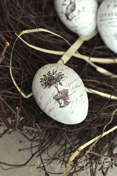 Hand-stamped eggs for easter,  also some great decoupage egg ideas