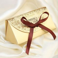 2016 50pcs Creative Gift box Ferrero Rocher Favor Box With Ribbon Wedding and Party Decoration Candy box paper boxes