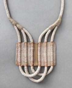 Inspiring woven necklaces for this Sunday's Visual Diary. Explore the possibilities of weaving in a small scale for creating neck adornments. Jewelry Crafts, Jewelry Art, Handmade Jewelry, Jewelry Design, Fashion Jewelry, Hippie Jewelry, Jewellery, Textile Jewelry, Macrame Jewelry