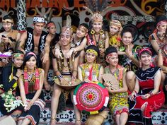 Dayak People of Borneo Borneo, Rare Clothing, Belitung, Unity In Diversity, Red Indian, Festivals Around The World, East Indies, People Of The World, World Cultures