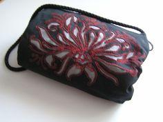 Monika's bag in revers applique