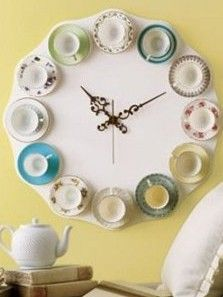Is it tea time? Always, with this DIY tea cup clock. diy-spring-crafts- This would be great in a kitchen. Collect cups from local thrifts stores. Upcycling Design, Diy Upcycling, Recycling Ideas, Diy Wall Art, Wall Decor, Home Crafts, Diy Home Decor, Diy Crafts, Design Crafts