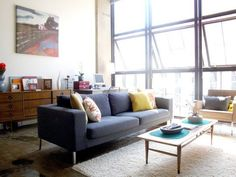 Living Lighter in 2011: Inspirational Clutter-Free Rooms
