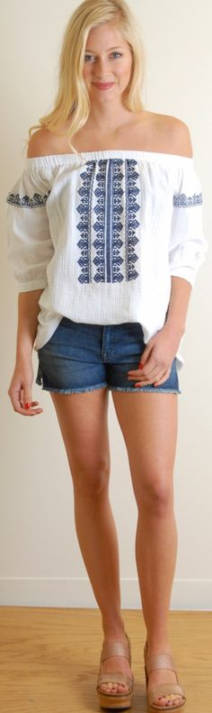 CRIPS EMBROIDERED OFF SHOULDER ||| Nothing says summer more than a gauzy white off the shoulder blouse with navy embroidery. We styled it with a front tuck but it does have a longer mid hip length ||| www.jbandme.com