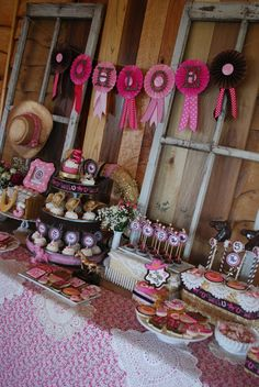 Cowgirl Party Ideas for Girls   ... Tasty Treats: {CELEBRATE} Chloe's Cowgirl Princess Birthday Party