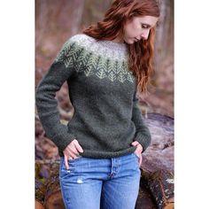 Skógafjall Knitting pattern by Dianna Walla
