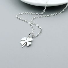 Hey, I found this really awesome Etsy listing at https://www.etsy.com/listing/180394997/sterling-silver-clover-necklace-lucky