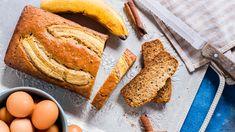 Melt in Your Mouth Banana Bread Recipe - Genius Kitchen Low Fat Banana Bread, Super Moist Banana Bread, Sour Cream Banana Bread, Coconut Banana Bread, Banana Oat Muffins, Chocolate Chip Banana Bread, Chocolate Chip Recipes, Banana Bread Recipes, Mini Muffins