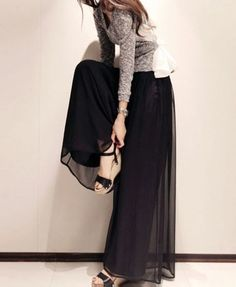 Chiffon wide leg pants. Love the drama.