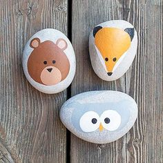Rock painting with Americana® Multi-Surface Acrylics — Create cute woodland animal rocks with your little ones using Multi-Surface paint! Pebble Painting, Pebble Art, Stone Painting, Diy Painting, Painting Tutorials, Galaxy Painting, Painting Videos, Rock Painting Patterns, Rock Painting Ideas Easy