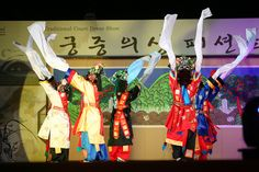 Traditional Clothing Fashion Show - Modern Seoulites are known for being trendy and this can be seen in all parts of the city.  But did you know that Koreans have always had a great sense of fashion?  Pictured above are the beautiful and bright colors of traditional Korean clothing.