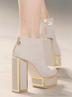lamorbidezza: Shoes at Felder Felder Fall 2012
