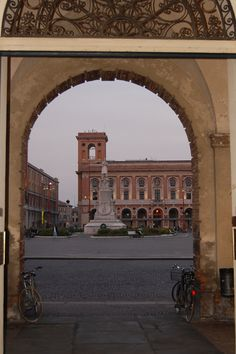 Forlì, Piazza Saffi (palazzo delle Poste)
