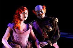 Anush Hovhannisyan as the Princess and Michele de Souza as the King in El gato con botas © ROH / Catherine Ashmore 2013