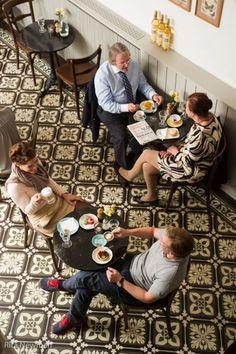 Beaulieu_Lokal in der Ferstelgasse Wien Vienna, Restaurants, Brunch, Travel, Food, Coffee Cafe, Oysters, Old Town, Amazing