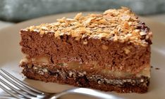 delicious crunchy dessert with chocolate and pear! Cookie Recipes, Snack Recipes, Dessert Recipes, Dessert Ideas, Nutella Cake, Chocolate Cake, English Food, Baking Tins, Savoury Cake