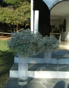Glass vases wrapped with lace with baby's breath arragements in them Shabby Chic Wedding Decor, Greece Wedding, Wedding Decorations, Table Decorations, Baby's Breath, Thessaloniki, Party Accessories, Countryside, Wedding Bouquets