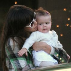 Jessica Alba and daughter Honor. We want to squeeze those cheeks!