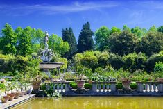 The Italian fashion house will hold its cruise show in Florence on May 29 and it will fund the restoration of the Boboli Gardens. Most Beautiful Gardens, Beautiful Park, Most Beautiful Cities, Garden Images, Green Garden, Florence Italy, Italy Travel, Garden Design, Dolores Park