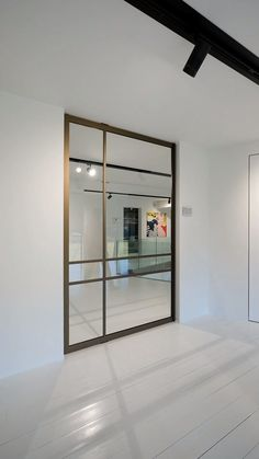 Glass pivot door made with bronze anodised aluminium and an invisible self-closing pivot hinge system. The design of the door is fully customisable! Informations About Glass and aluminium pivot door P Room Door Design, Room Interior Design, Modern Interior Doors, Pivot Doors, Sliding Doors, Glass And Aluminium, Aluminium Windows And Doors, Woodworking Projects That Sell, Woodworking Shop