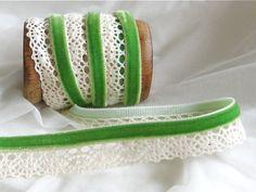 1 m Spitze mit Samtband, grün/creme von StoffAmora auf DaWanda.com