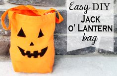 How to make an easy Jack o Lantern Trick or Treat bag - so easy and the supplies can be used for lots of other projects, too!