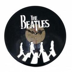 Reloj disco de Vinilo de Los Beatles (The Beatles) de DT Engrave #dtengrave #lasercut #laserengrave #reloj #clock #relojdepared #wallclock #hora #hour #siempreenhora #vinilo #vinil