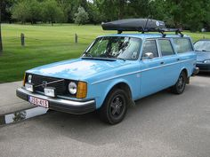 1976 Volvo 245 DL Station Wagon No Lower Trim, Also Like the position of the Thule.