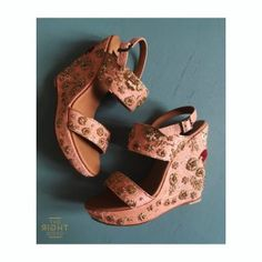 Our Pre Curated Gallery of Latest designer wedding Shoes for Indian Brides. We have stunning Stilettos for Every Bride. Wedding Sandals For Bride, Bridal Sandals, Knee High Stiletto Boots, Wedding Mehndi Designs, Designer Wedding Shoes, Bridal Outfits, Footwear, Fashion Shoes, Fashion Outfits