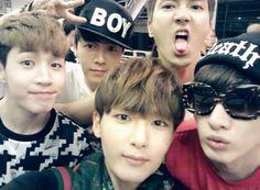 Henry Lau, Lee Donghae, Choi Siwon, Kim Ryeowook & Lee Hyuk-jae (SuJu)