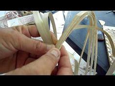 weave for fan handle or basket/bag handle Kirigami, Woodworking Hand Planes, Tahitian Dance, Basket Weaving Patterns, Hawaiian Crafts, Bamboo Weaving, Ribbon Art, Weaving Techniques, Bracelet Tutorial