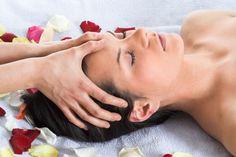 Les 9 Gestes à Connaître pour un Massage de Tête Qui Fait du Bien.