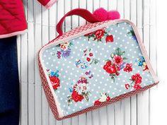 Auch eine hübsche Idee für die Mädels Koffer-Stofftasche von Burda - 150 0913 B