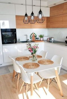 34 Gorgeous Small Kitchen And Dining Room Design Ideas - Just because all you have is a small kitchen, that does not excuse your from bringing room's advantage. The call of small dining room tables had happe. Small Apartment Kitchen, Home Decor Kitchen, Kitchen Interior, Home Kitchens, Kitchen Chairs, Kitchen Ideas, Apartment Living, Kitchen Cabinets, White Home Decor