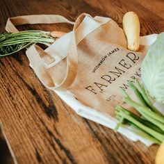 Farm Fashion, Produce Stand, Market Stands, Meat Markets, Farm Photography, Market Bag, Ladies Party, Make And Sell, Farmers Market