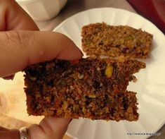 sugarless, flourless carrot coconut cake I substituted and used coconut oil and dried plums. So delicious! Baby Food Recipes, Sweet Recipes, Cooking Recipes, Vegan Recipes, Low Carb Sweets, Healthy Sweets, Healthy Bars, Food Test, Savoury Cake
