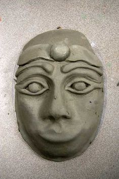 How to Start a Clay Face Mask — ArtSmudge Face Mask For Pores, Clay Face Mask, Ceramics Projects, Clay Projects, Ceramic Mask, Clay Faces, Sculpture Clay, Cardboard Sculpture, Masks Art