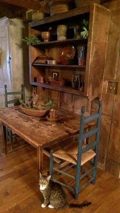 Primitive Dining Rooms, Primitive Homes, Primitive Furniture, Primitive Kitchen, Primitive Country, Colonial Furniture, Antique Furniture, Prim Decor, Country Decor