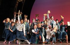 Dancing Through Life Wicked Musical, Broadway Wicked, Musical Theatre, Arts Theatre, Musicals Broadway, Theatre Quotes, Wicked Costumes, Broadway Costumes, Theatre Costumes