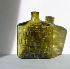 Groen Empoli glas, vaas, karaf, fles, made in Italy, geometrisch design, kunst glas, in mal geblazen by PrettyandPreloved on Etsy