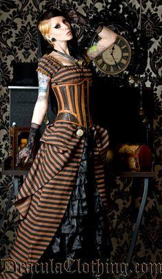 Steampunk Dress. Les tags les plus populaires pour cette image incluent : dracula clothing, dress, gloves, goggles et lace