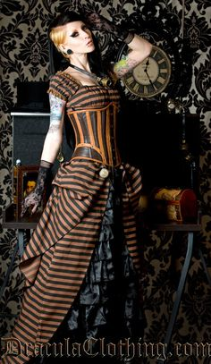 Steampunk Dress. Les tags les plus populaires pour cette image incluent : dracula clothing, dress, gloves, goggles et lace