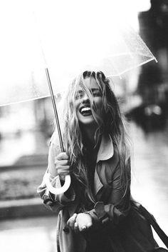 Visual Merchandiser, styling and still life designs street fashion photography Image# 4238716113 - Rain Photography, Creative Portrait Photography, Photo Portrait, Fashion Photography Poses, Fashion Photography Inspiration, Image Photography, White Photography, Rainy Day Photography, Photography Ideas