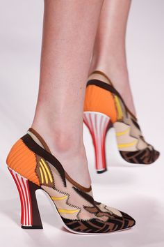 c50d4a0e77 Fendi Spring 2019 Ready-to-Wear Fashion Show Details  See detail photos for  Fendi Spring 2019 Ready-to-Wear collection. Look 92