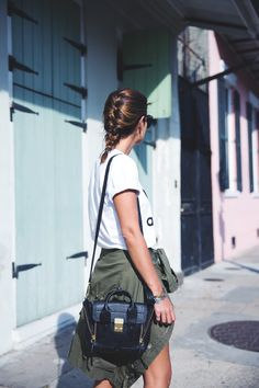 Nueva_Orleans-Adidas_Top-Parka-French_Braid-Outfit-Converse-Sporty-Chic-Street_Style-25