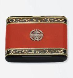 Art Deco enameled, diamond and gold cigarette case by LACLOCHE - on Christies♥♡♥ 1920s Art Deco, Art Deco Period, Art Deco Era, Dandy, Art Deco Vanity, Vintage Cigarette Case, Cigar Cases, Piel Natural, Lipstick Case