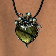 Heart Jewelry, Jewelry Art, Beaded Jewelry, Jewelry Design, Metal Clay Jewelry, Stone Jewelry, Meteorite Ring, Soldering Jewelry, Precious Metal Clay